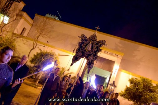 Traslado del Simpecado de la Virgen del Rocío al Altar Mayor 2016 (1)