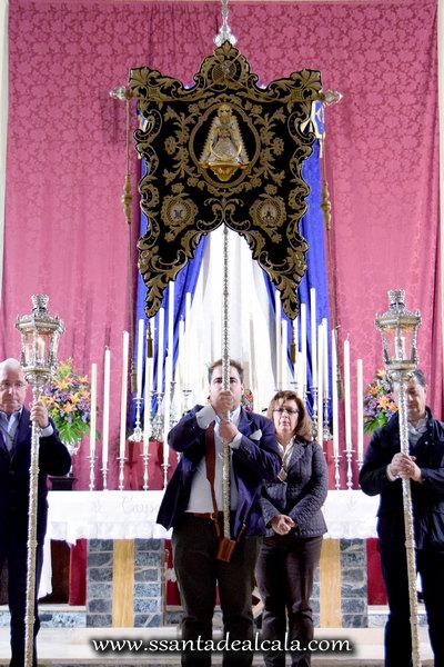 Traslado del Simpecado de la Virgen del Rocío al Altar Mayor 2016 (13)
