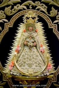 Virgen del Rocío con las nuevas flores (1)