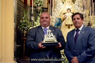 Entrega del llamador del paso de la Virgen del Águila 2016 (8)