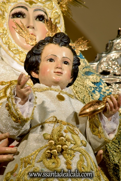 Virgen del Águila en su paso procesional (14)