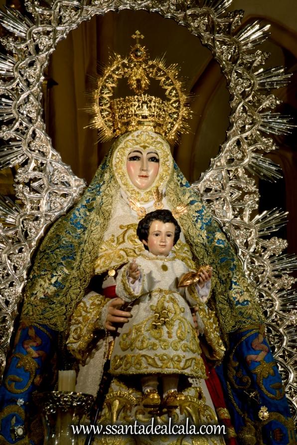 Virgen del Águila en su paso procesional (7)