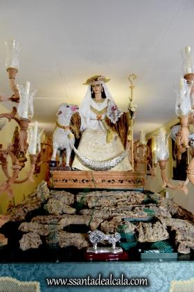 divina-pastora-de-las-almas-en-su-paso-procesional-2016-1