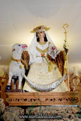 divina-pastora-de-las-almas-en-su-paso-procesional-2016-3