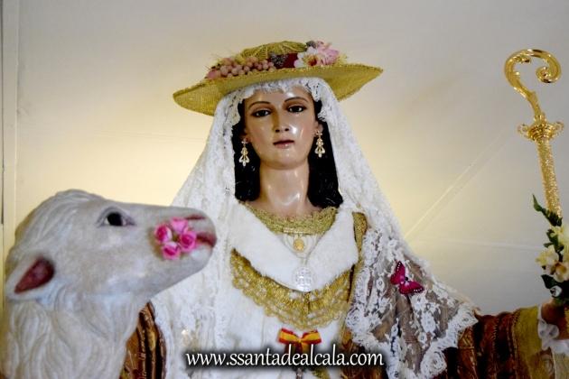 divina-pastora-de-las-almas-en-su-paso-procesional-2016-5