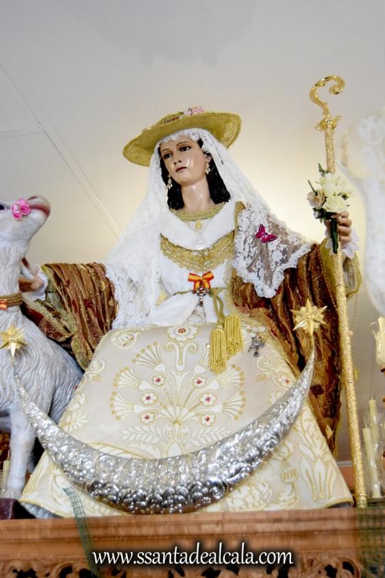 divina-pastora-de-las-almas-en-su-paso-procesional-2016-6