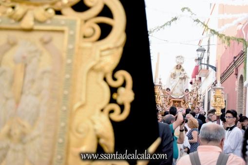 salida-procesional-de-la-virgen-del-rosario-de-santiago-2016-23