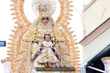 Salida Procesional de la Virgen del Dulce Nombre 2017 (14)