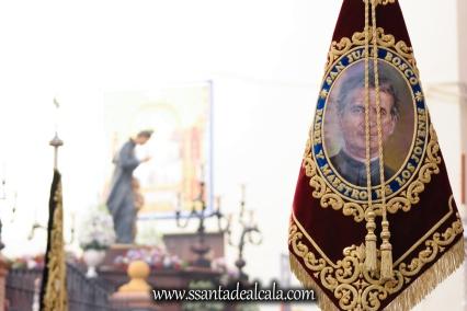 Salida Procesional de María Auxiliadora Coronada 2017 (3)