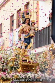 Salida Procesional de María Auxiliadora Coronada 2017 (5)