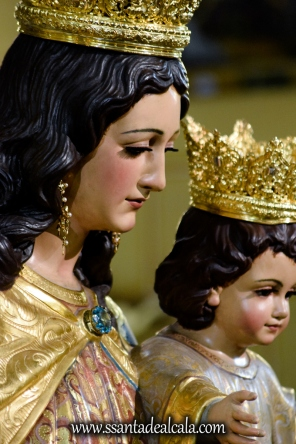 Solemne Besamanos a María Auxiliadora Coronada 2017 (16)
