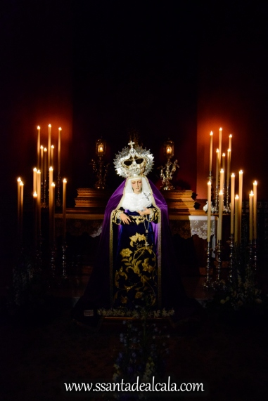 Besamanos a la Virgen de la Amargura (1)