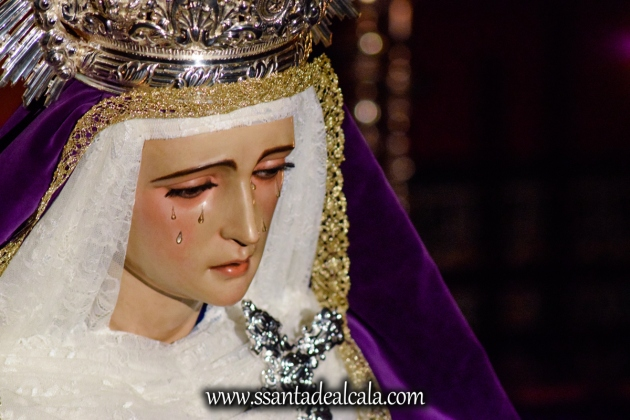 Besamanos a la Virgen de la Amargura (12)