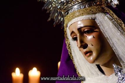 Besamanos a la Virgen de la Amargura (17)