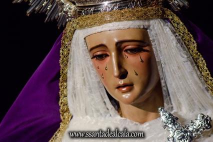 Besamanos a la Virgen de la Amargura (3)