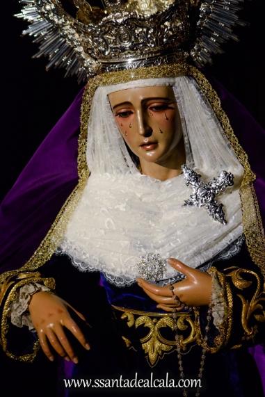 Besamanos a la Virgen de la Amargura (4)