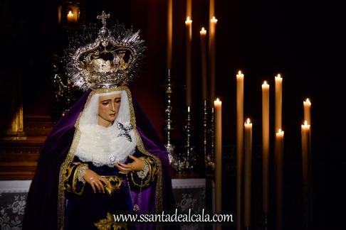 Besamanos a la Virgen de la Amargura (5)